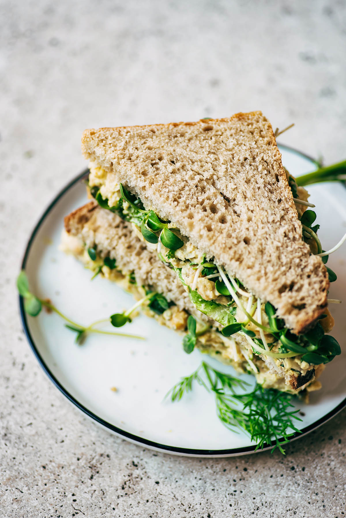 A sandwich on a plate.