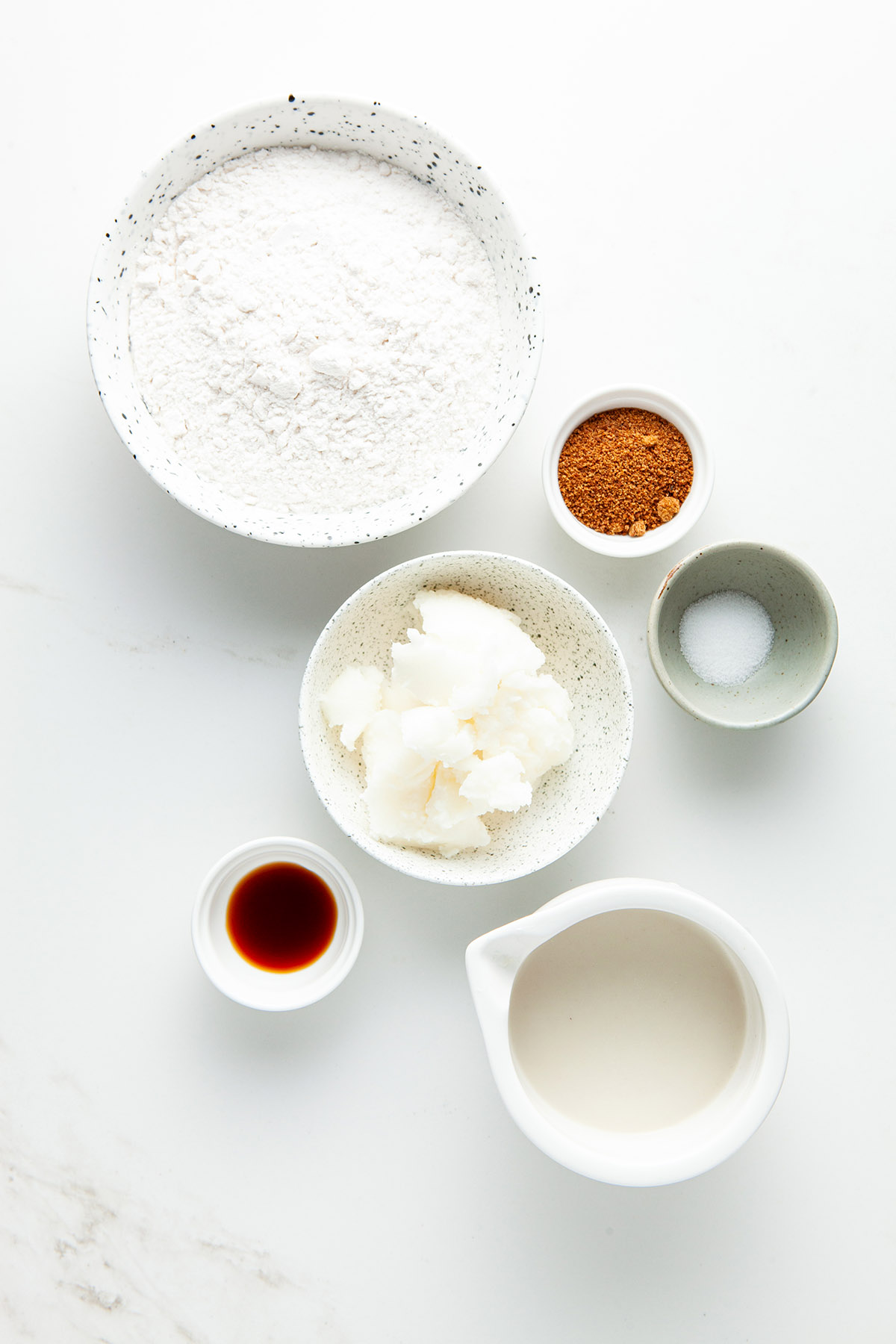 Coconut oil pie dough ingredients.